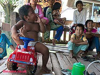 Ratusan Ribu Anak Indonesia Perokok Aktif