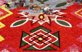 Karpet Raksasa dari Bunga 5